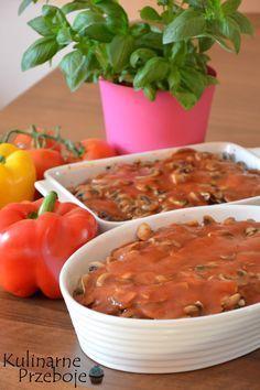 karkówka zapiekana z pieczarkami i cebulką, karkówka zapiekana, karkówka, pieczarki, cebula, sos pomiorowy, karkówka z piekarnika