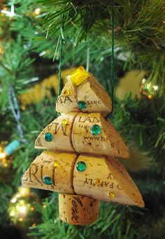 Could totally make this: Wine Cork Christmas Tree Ornament Small Size by LMadeIt on Etsy, $8.00