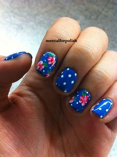 Oh my gosh! These would makes some ridiculously cute toes! Especially for the 4th of July!