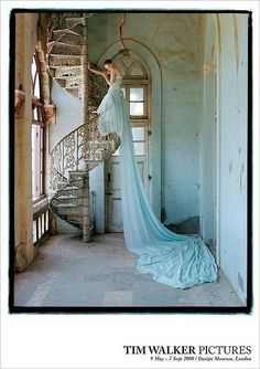Tim Walker - Lily Cole and spiral staircase, Whadwan, Gujarat, India - British Vogue, Elegance! Lily Cole, Looks Style, Looks Cool, My Style, Green Style, Style Blog, Vestidos Color Menta, Tim Walker Photography, Mint Green Dress