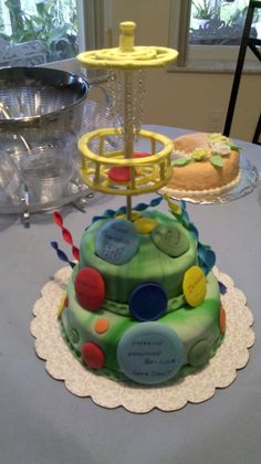 Disc Golf Cake! www.myyayascakes.com, so I have got to get this figured out before Max's next Birthday, this is awesome!