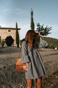 Outfit: Vichy print dress at sunset teetharejade Mode Outfits, Casual Outfits, Fashion Outfits, Fashion Ideas, Girl Outfits, Spring Summer Fashion, Spring Outfits, Look Fashion, Fashion Beauty