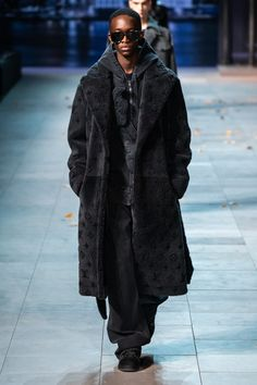 acd5c2a2d8 Louis Vuitton Fall 2019 Menswear Collection - Vogue Fashion Show  Collection