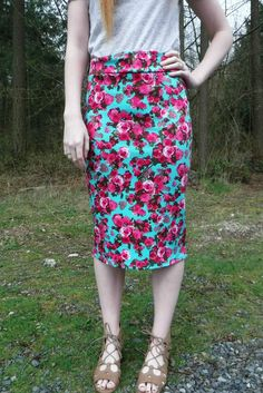 mint and pink spring floral skirt Pinned by: www.spinstersguide.com