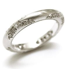 vintage style wedding band with amazing filigree detail