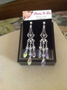 Chandelier earrings crystal Swarovski in silver MADE IN USA .