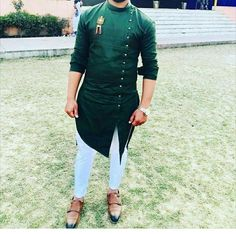 Punjabi Kurta Pajama Men, Kurta Men, Wedding Kurta For Men, Wedding Dresses Men Indian, Trendy Mens Fashion, Mens Fashion Wear, Men's Fashion, Fashion Outfits, Mens Kurta Designs