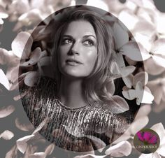 Nina Bott - Fotoshooting -  Be you - Beautiful Fotoshooting, Foto Make up,konturieren und highlighten,Make up Schablone Cinderalice,Vintage Naeem Khan,Vintage Kleider,Vintage Mode,Nina Bott