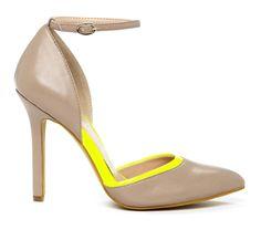 khaki and yellow heel