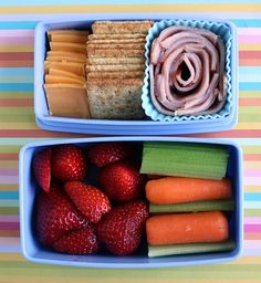 """Kids School Lunch Ideas 460422761874706568 - This lady does a bento box for her toddler for school EVERY DAY! I hope to be somewhat inspired prior to Lucy's first day of """"real"""" bring-your-own-lunch school next week. Whats For Lunch, Lunch To Go, Kindergarten Lunch, Lunch Snacks, Box Lunches, Bento Lunchbox, Healthy Lunches, School Lunches, Healthy Food"""