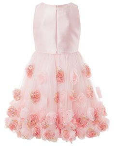 An array of printed and plain 3D flowers adorns our Rosianna dress for girls in a breathtakingly beautiful design. Contrasting its softly gathered tulle skir...