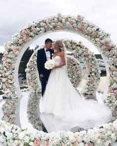 Круглая свадебная арка