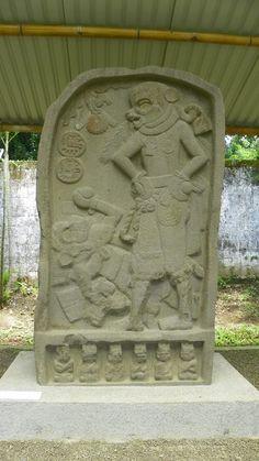 Sitio Arqueológico El Baúl:   ¡En El Baúl se encuentra la fecha más antigua registrada en toda el área Maya! La Estela 1 de El Baúl es un monumento del Bak'tun 7. Esta estela, fechada para el año 36 d.C., muestra uno de los primeros registros de la Cuenta Larga y en ella se puede observar a un gobernante que decapitó a una persona y sembró su cabeza en una estaca o trono.
