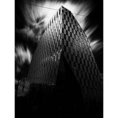Crystal #architecture #architecturelovers #longexposure #longexposurephotography #fineart #fineartarchitecture #longexposurearchitecture #monochrome #blackandwhite #bwcurators #bw_archaholics #enVisionography #crystal #_fujilove_  #fujix #fujifilmcz #černobílá #praha #prague #czechrepublic #windows #stream #beam #crystal @fujistask @peakdesign #peakdesignczsknacestach @kvalitnifotky