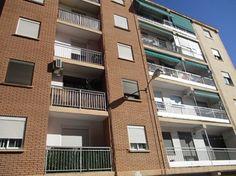 #Vivienda #Valencia Piso en venta en #Manises #FelizMiercoles - Piso en venta por 32.800€ , 3 habitaciones, 70 m², 1 baño