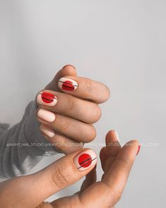Nail art Christmas - the festive spirit on the nails. Over 70 creative ideas and tutorials - My Nails Minimalist Nails, Diy Nails, Cute Nails, Nail Photos, Red Nail Designs, Trendy Nail Art, Nagel Gel, Nail Decorations, Perfect Nails