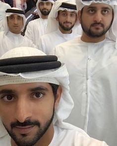 Saeed bin Maktoum bin Juma Al Maktoum con sus sobrinos: Mansoor, Ahmed, Maktoum y Hamdan bin Mohammed bin Rashid Al Maktoum, 02/2017. Vía: faz3