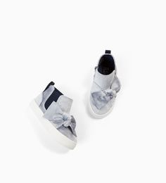 Image 4 of HIGH TOP SNEAKERS WITH VELVET BOW from Zara