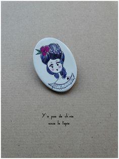 Broche en porcelaine - Princesse Adélaïde.