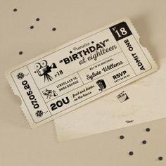 Leuke filmticket voor je tuinfeest met cinema. www.tadaaz.be | Tadaaz #tuinfeest #cinematicket #uitnodiging #movienight Birthday Invitations, Birthday Cards, Sweet Sixteen Parties, Movie Party, Pajama Party, Diy Cards, Party Themes, Party Ideas, Gift Ideas