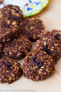 An easy recipe for skinny chocolate peanut butter no bake cookies.