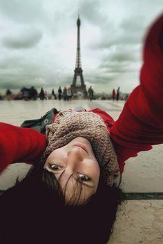 """Selfies können richtig kreativ sein! """"Selfportrait with Eiffel""""   von Sokolova auf 500px"""