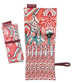 Denise2Go interchangeable crochet hook set includes the most popular hook sizes for Tunisian stitching in a compact, hand-sewn cotton case designed by Lorna Miser.