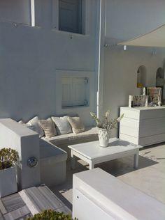 GREECE CHANNEL   outdoor living in Santorini, Grece