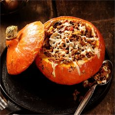 Cooking Savory Dishes With Pumpkin - Escoffier Online Pumpkin Cake Recipes, Vegetarian Recipes, Healthy Recipes, How To Cook Quinoa, Savoury Dishes, Relleno, Finger Foods, Easy Meals, Food And Drink