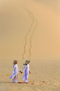 Sand Dunes ~ Mui Ne, Vietnam of a life time Vietnam Voyage, Vietnam Travel, Asia Travel, Native American History, British History, Mui Ne, Women In History, Ancient History, The Last Airbender