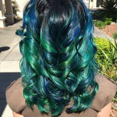 It doesn't get much cooler than swirls of green and blue? What are your favorite combos of color?