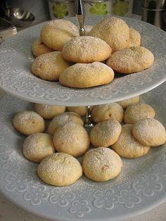 Kurabie - Albanian butter cookies.