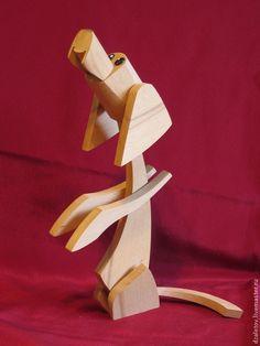Купить или заказать собачки декоративные в интернет-магазине на Ярмарке Мастеров. Маленькие декоративные собачки изготовлены из бука. Голова и уши у собачек поворачиваются. Все собачки на бордовом фоне есть в наличии. Есть возможность сделать собачку из других пород дерева (сосна, берёза, тополь, ясень, дуб) и любых размеров. Стоимость указана за одну собачку.