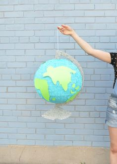 Giant Globe Back-to-