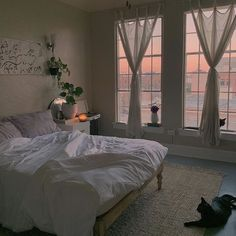 Room Ideas Bedroom, Bedroom Decor, Bedroom Inspo, Bedroom Bed, City Bedroom, Single Bedroom, Cool Dorm Rooms, Aesthetic Room Decor, Aesthetic Plants