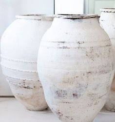 Lovely old pots with limewash paintwork Wabi Sabi, Olive Jar, Shades Of White, Ceramic Pottery, Antique Pottery, Pottery Vase, Ceramic Vase, Home Accessories, Pure Products