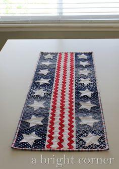 Patriotic Parade table runner pattern