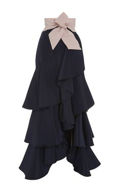 Fun & elegant at the same time. Can't wait to do a ruffle series. Black Silk Ruffled Midnight Skirt by JOHANNA ORTIZ Now Available on Moda Operandi Hijab Fashion, Fashion Dresses, Fashion Fashion, Runway Fashion, Fashion Trends, Silk Skirt, Bow Skirt, Black Silk, Skirt Outfits