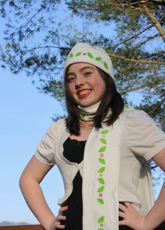 iLoveToCreate Blog: ILove toCreate Teen Crafts: Snow Bunny Holiday Scarf and Hat Set #pinittowinit