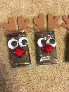 DIY cosmic brownie and googly eyes Rudolf the red nose again ., DIY cosmic brownie and googly eyes Rudolf the red nose reindeer brownies Easy Homemade Christmas Gifts, Christmas Crafts For Gifts, Christmas Projects, Xmas Gifts, Christmas Decorations, Goodie Bags For Christmas, Christmas Gifts For Teachers, Christmas Crafts For Kids To Make At School, Work Christmas Party Ideas