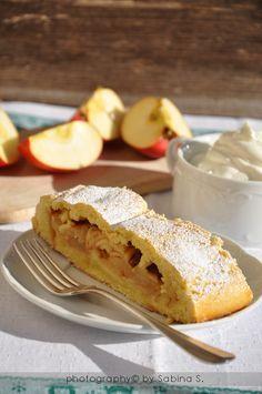 Due bionde in cucina: Strudel di mele con pasta frolla
