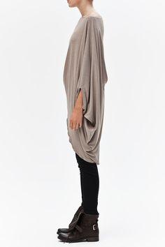 Twisted Beige Top/ Oversized Asymmetrical Top/ Loose por AryaSense