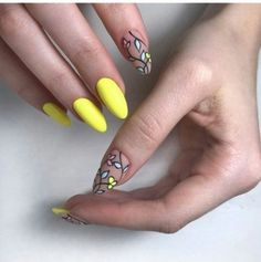 23 Great Yellow Nail Art Designs 2019 Image Size: 604 x 604 Pin Boards Name Yellow Nails Design, Yellow Nail Art, Nail Art Designs, Nail Designs Spring, Manicure E Pedicure, Neon Nails, Super Nails, Flower Nails, Trendy Nails