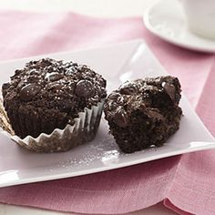 Mariska's Joyful Heart Fudge Chip Muffins    This gluten-free recipe, also low in cholesterol, combines applesauce, cinnamon, and chocolate chips to make a batch of eight tasty muffins in only roughly 30 minutes (including both prep and cook time).