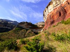 A guide through the impressive Drakensberg for when you're short on time - Along Came An Elephant