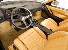 Ferrari Testarossa: interior