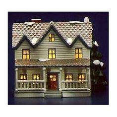 The Farm House. I wish I owned it. Christmas In The City, Christmas Holidays, Christmas Trees, Putz Houses, Gingerbread Houses, Dept 56 Snow Village, House Viewing, Light Building, Glitter Houses