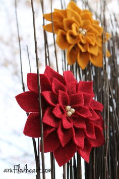 Felt Flowers pointed petals. I made these and they were not too difficult and I just eyeballed the pattern instead of printing. Works wonderfully!  They are dahlias, but in red they have a poinsettia feel to them.