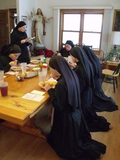 Sisters of Reparationto the Most Sacred Heart of Jesus  We eat our meals in silence while listening to spiritual reading. On days of penance we eat our main meal kneeling.