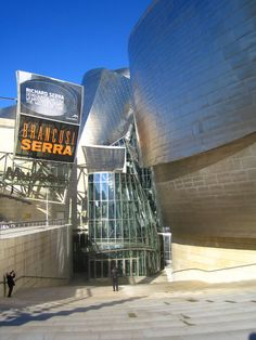 Gallery of AD Classics: The Guggenheim Museum Bilbao / Gehry Partners - 3